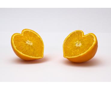 El naranja se llama así por las naranjas